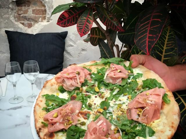 AVE Pizza Romana